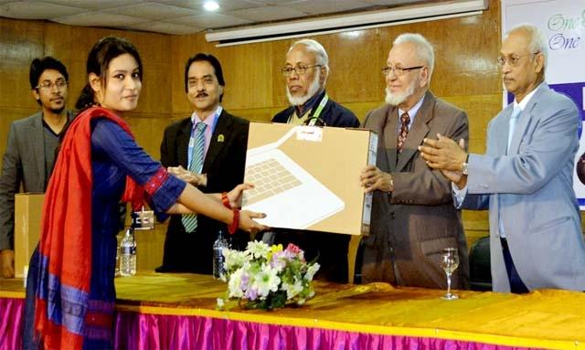 500 plus DIU students receive free laptop