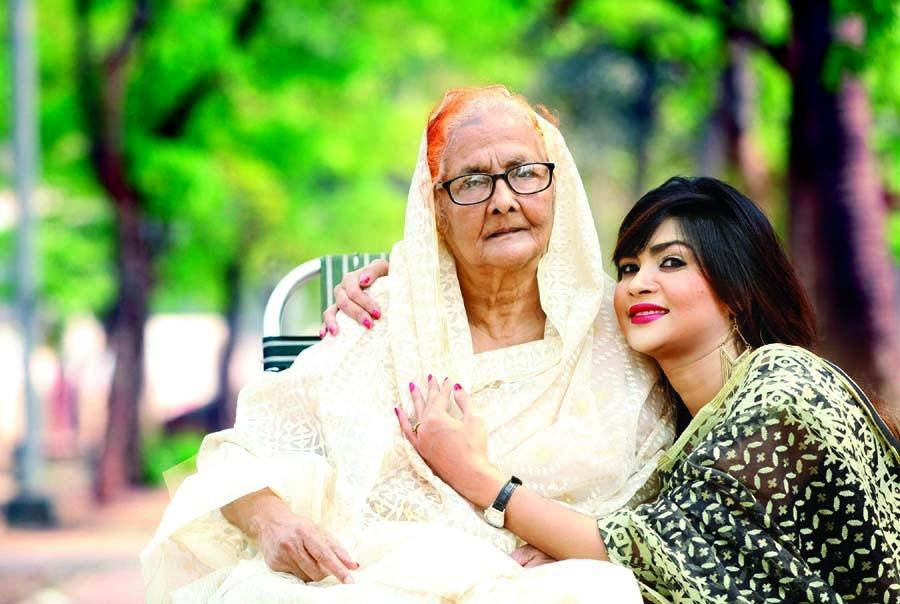 Shimla busy with mom
