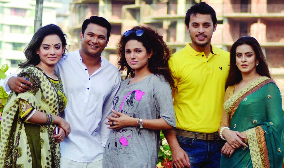Five stars together in Eid telefilm Durottwo