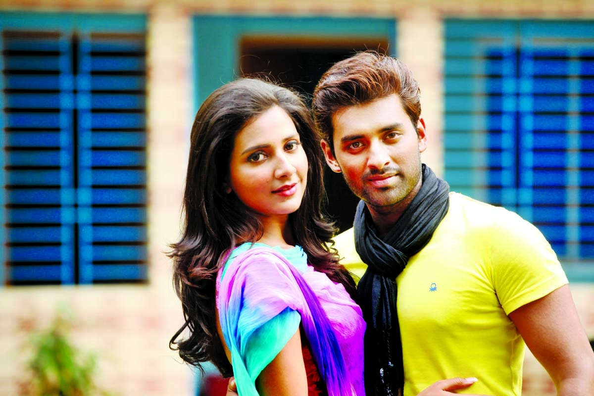 Subhashree-Ankush coming Dhaka Wednesday