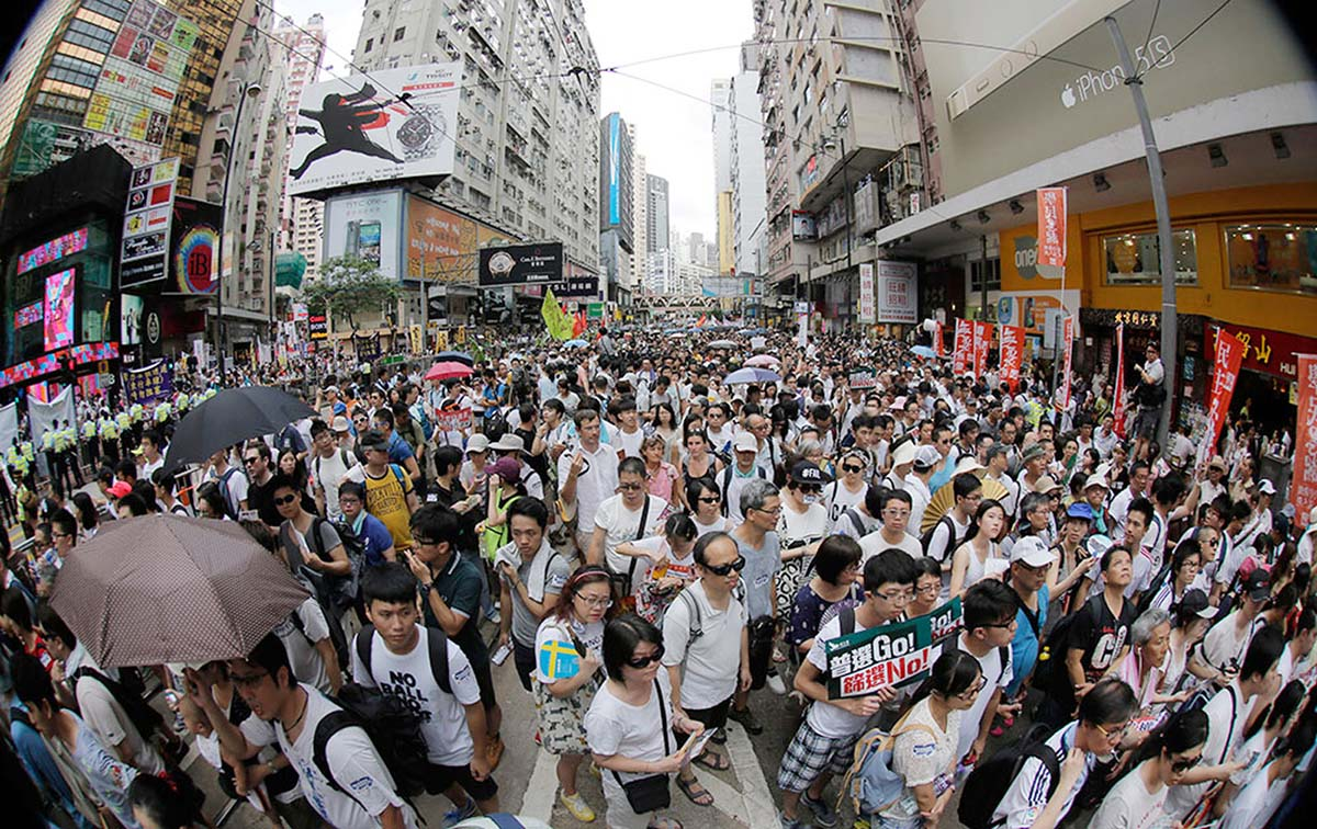 HK crowds rally for democracy
