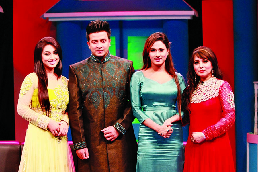 Shakib, Apu Biswas, Bobby in Moment with Stars