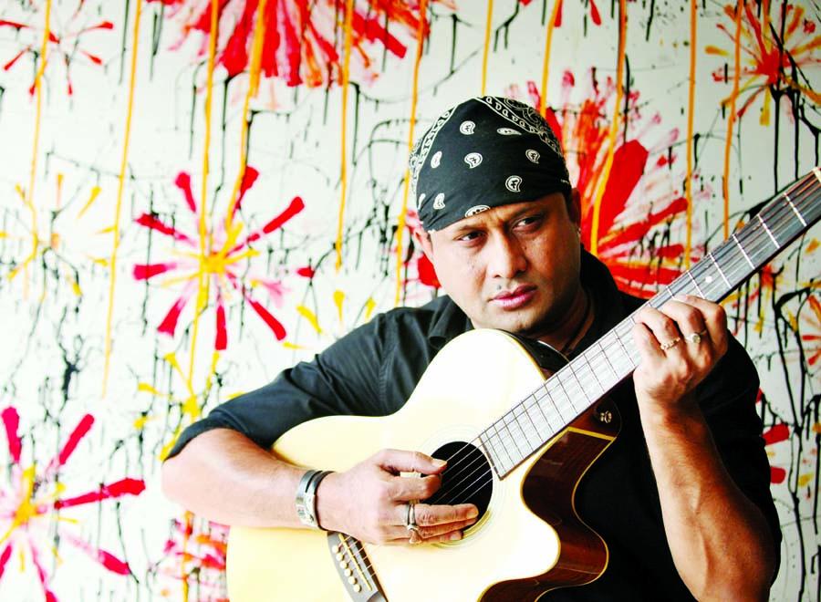 SI Tutul dedicates song to Humayun Ahmed