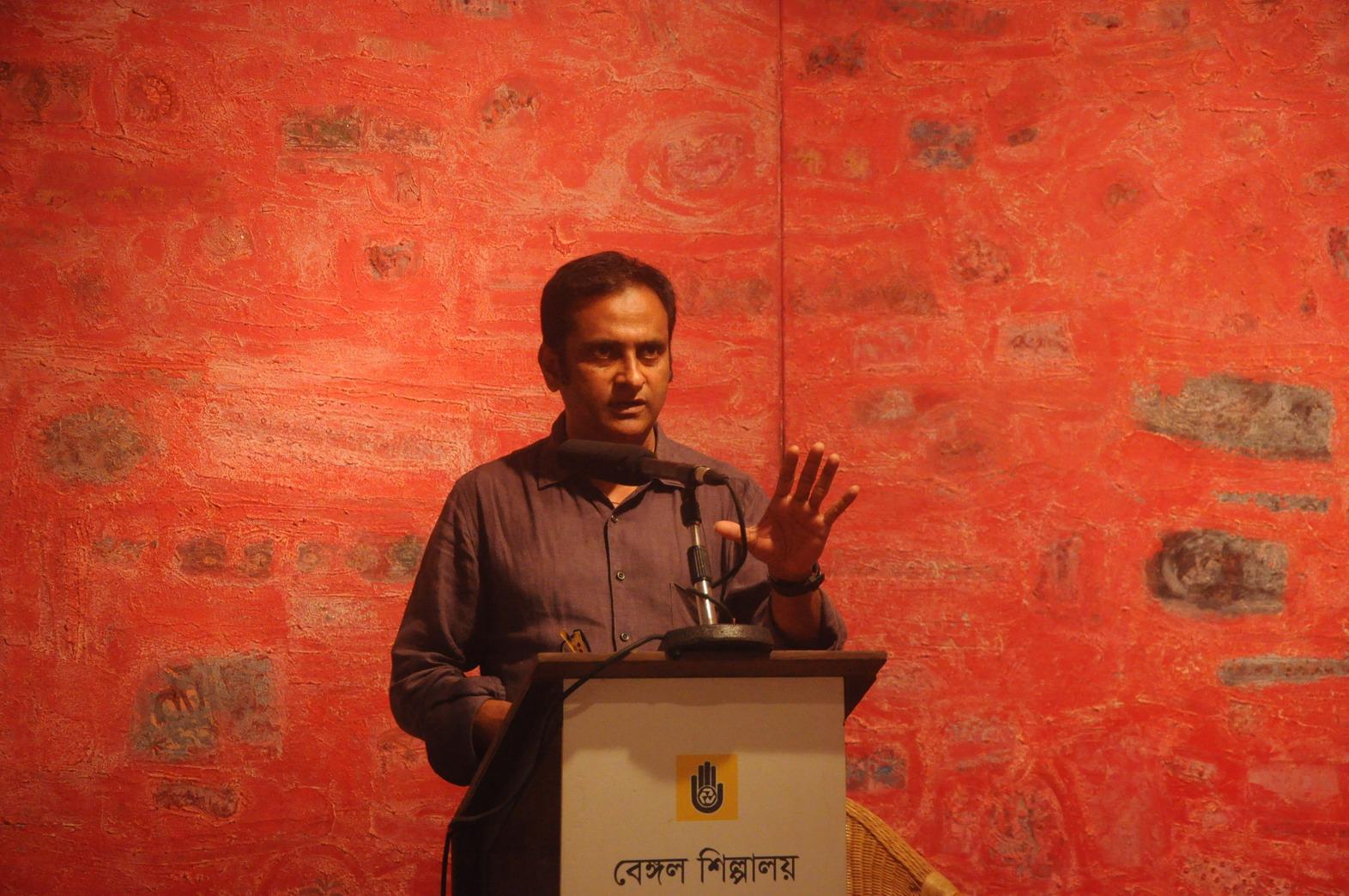 Artist Niamul Bari talks at Bengal Shilpalaya