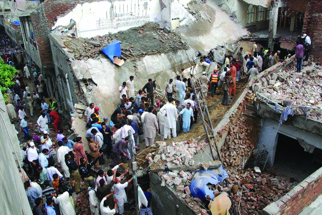 24 dead in Pakistan mosque collapse