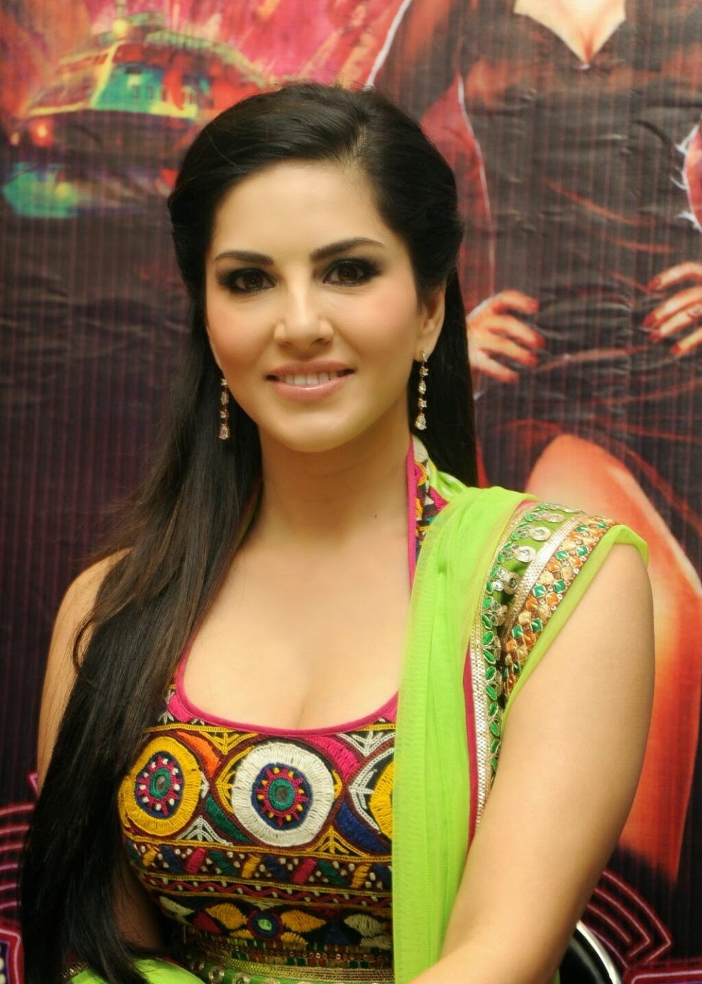 sunny leone makes her dubsmash debut in style - the new nation