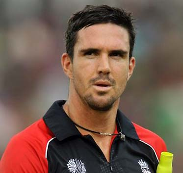 Kevin Pietersen signs for Dolphins