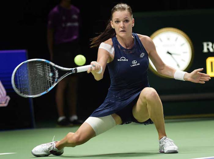 Kvitova to face Radwanska in final