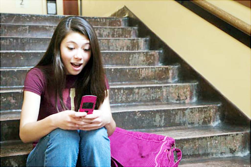 OMG, teens and their phones