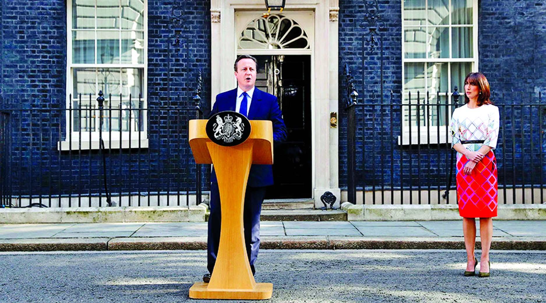 UK votes to leave EU: Cameron offers resignation