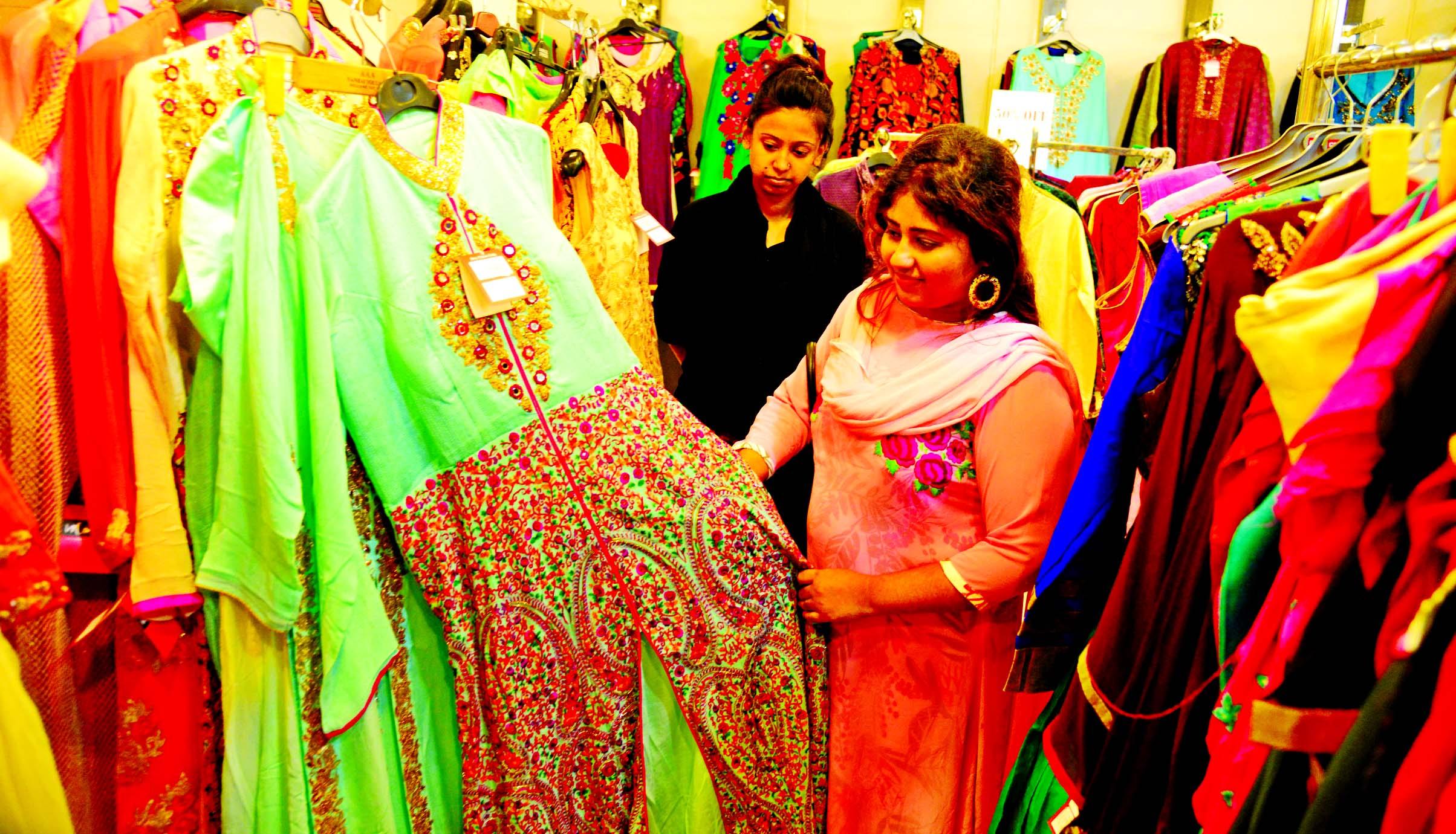 Eid shopping in city gains momentum