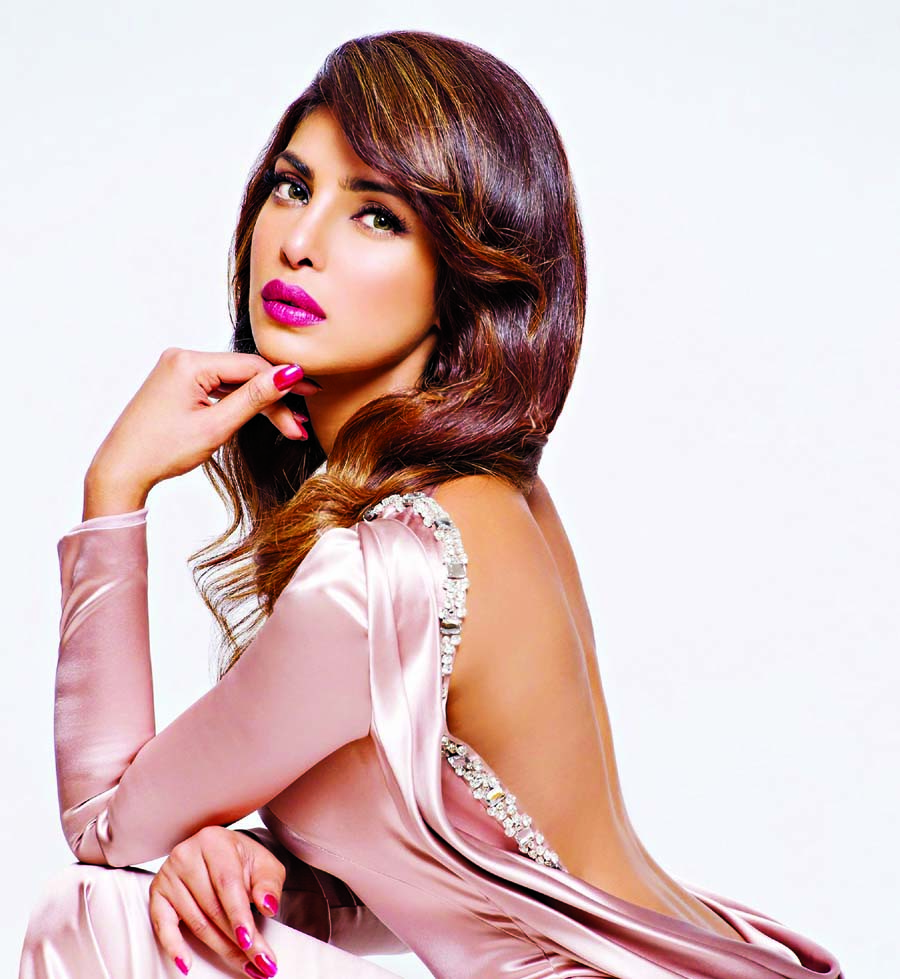 Priyanka invites fans to the special screening of Quantico