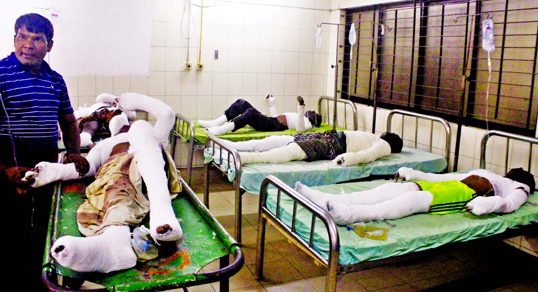 Six persons who were injured in a water tank explosion while cleaning it in city`s Dhanmondi area were admitted to the Burn Unit of Dhaka Medical College Hospital on Wednesday.