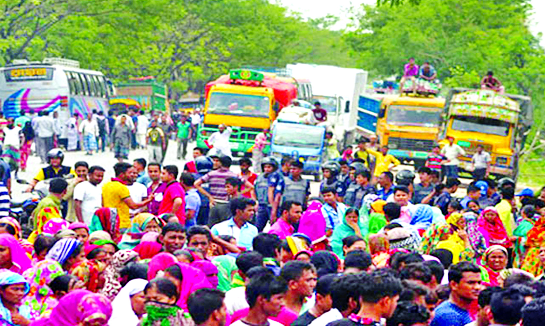 Worker`s death on Dhaka-Sylhet road sparks protest