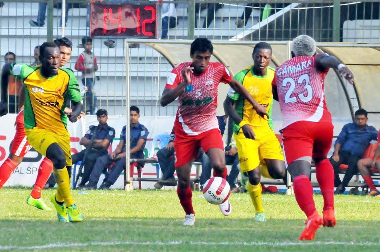 Feni Soccer hold Rahmatganj in BPL football