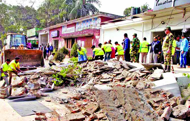 Rly officials object as DNCC Mayor`s order