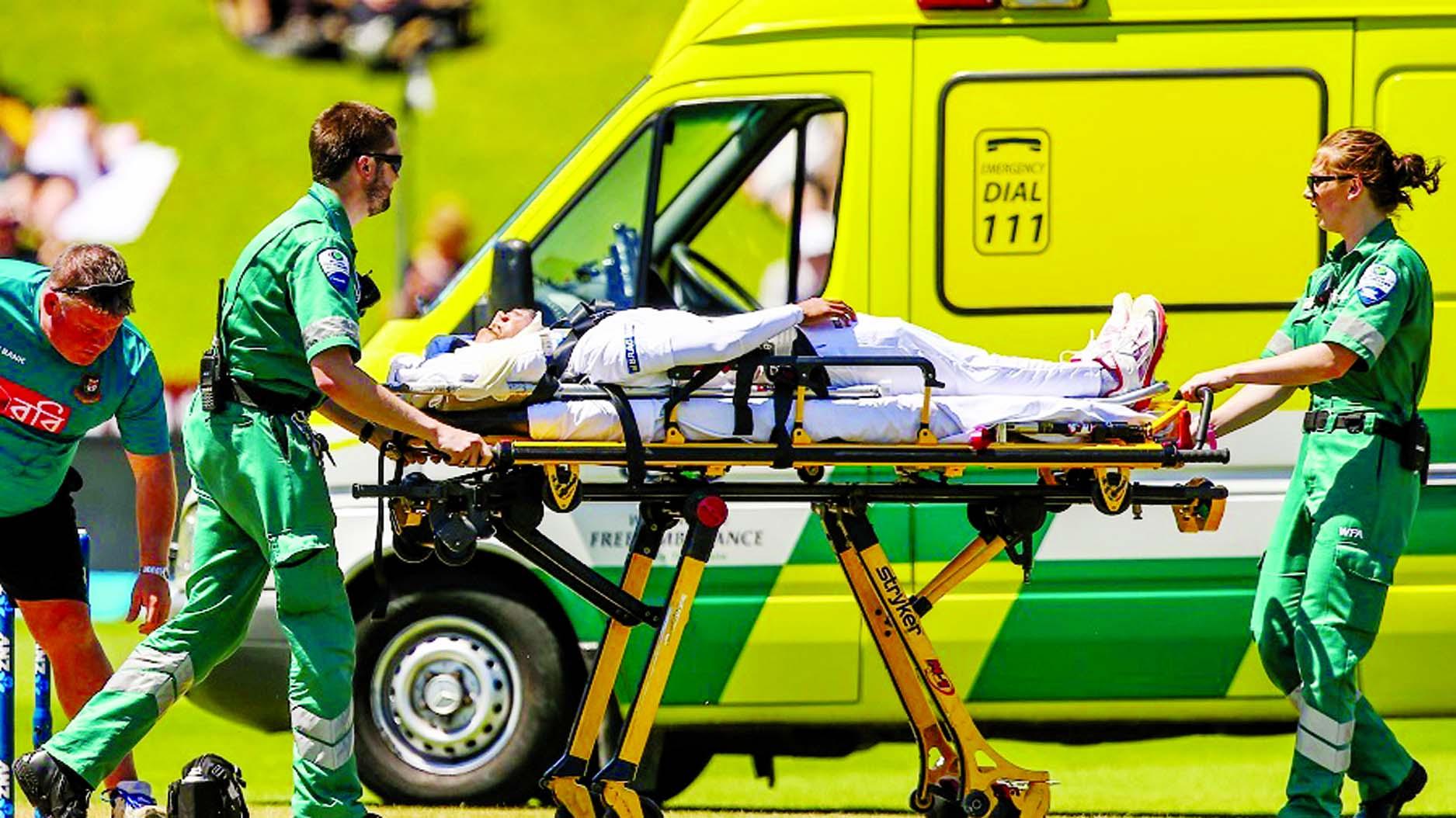 Mushfiq rushed to hospital after head injury