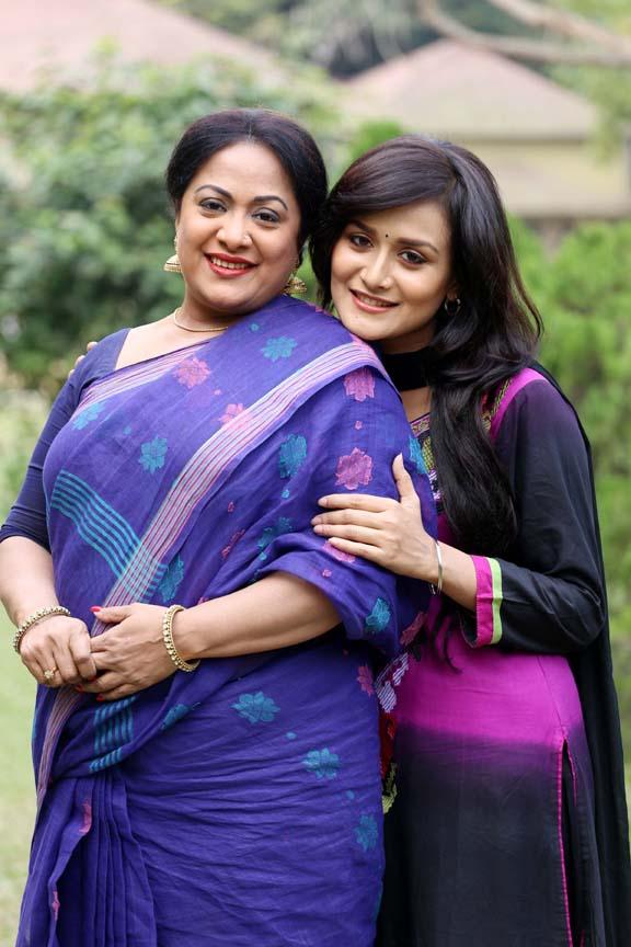 Aruna Biswas, Nadia Nodi sexy Height, Weight, Age, Body Measurement, Wedding, Bra Size, Husband, DOB, instagram, facebook, twitter, wiki