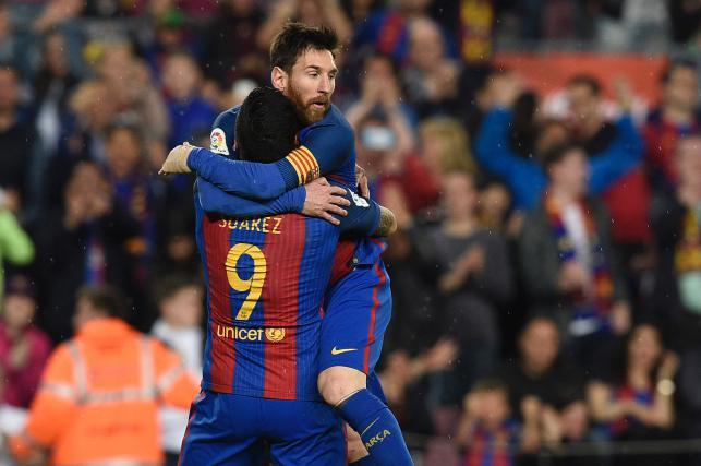 Messi keeps Barca alive ahead of El Clasico