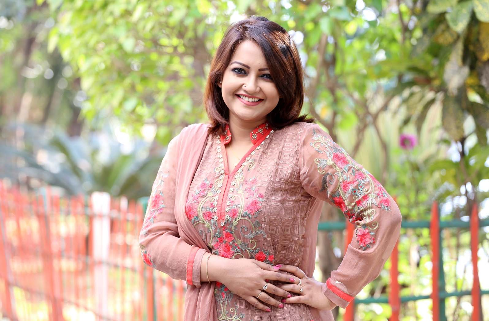 Nawsheen quits job, now focuses on acting only