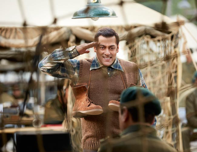Salman Khan looks adorable in the new stills from Tubelight