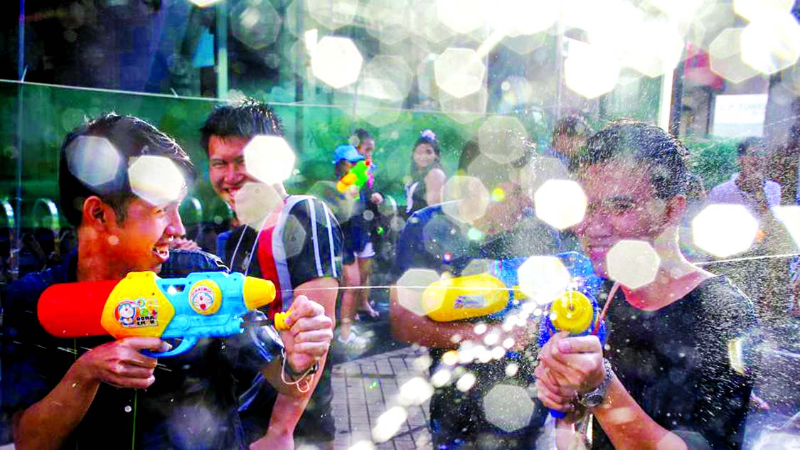 New Year Songkran  festival begins in Bangkok