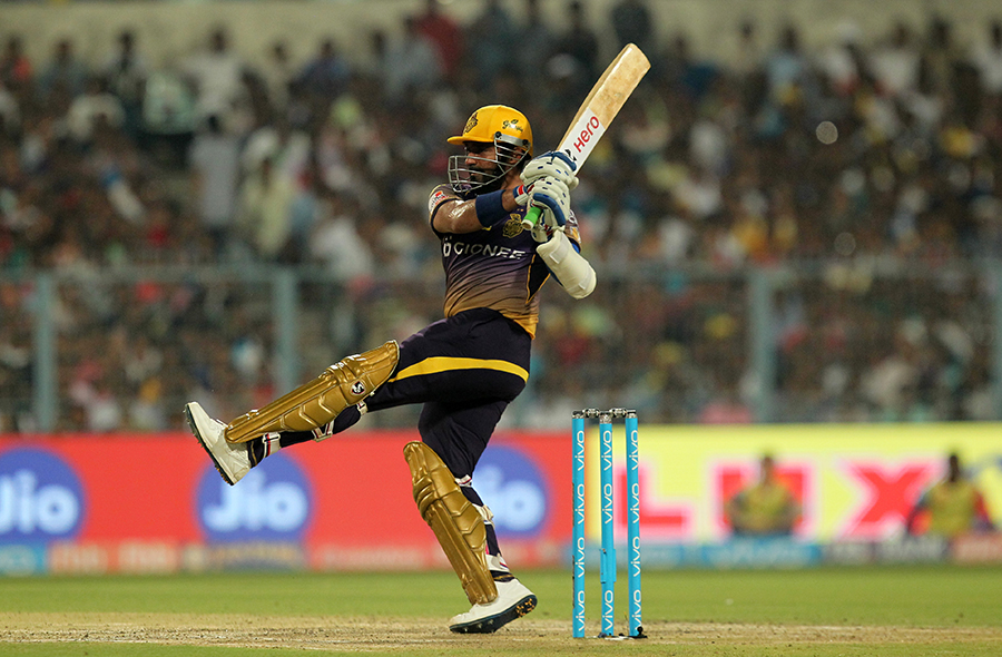 Robin Uthappa swivels while executing a pull during his fifty in the IPL 2017 match between Kolkata Knight Riders and Delhi Daredevils in Kolkata, India on Friday. Kolkata Knight Riders won the match by seven wickets with 22 balls remaining.