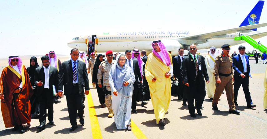 Deputy Prince of Saudi Arabia Soud Bin Khaled Al Faisal welcomed Prime Minister Sheikh Hasina upon her arrival at Prince Mohammad Bin Abdul Aziz Airport, Medina in Saudi Arabia on Monday.