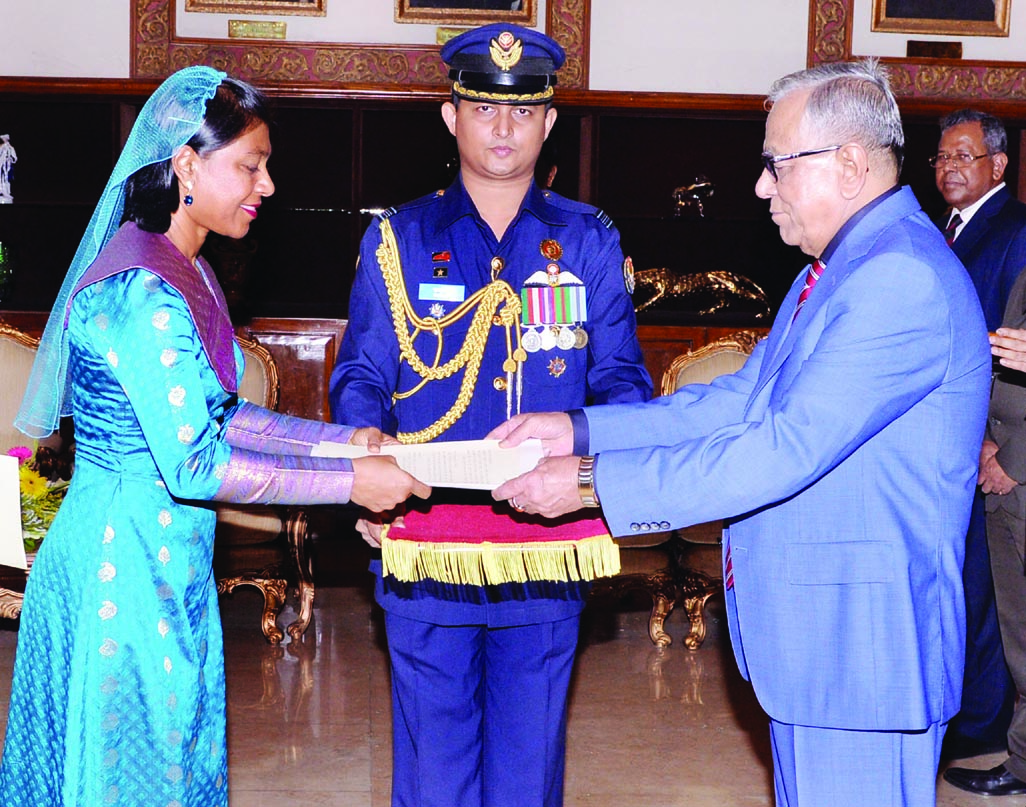 Newly appointed Envoy of Maldives to Bangladesh Ms Aishath Shaan Shakir presents credentials to President Abdul Hamid at Bangabhaban on Tuesday.