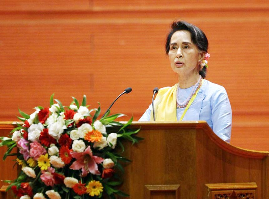 Suu Kyi seeks to revive peace process with ethnic groups