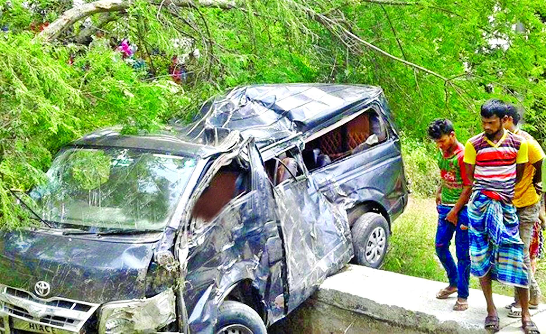 ASI among 6 killed in Gopalganj road crash