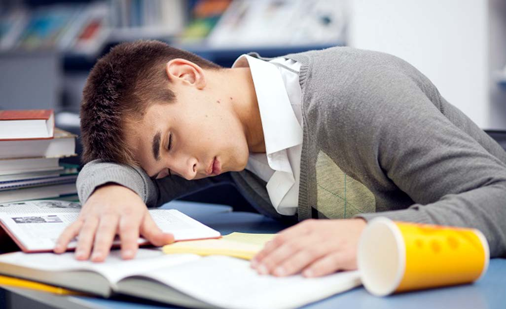 Delaying school start times is beneficial to students