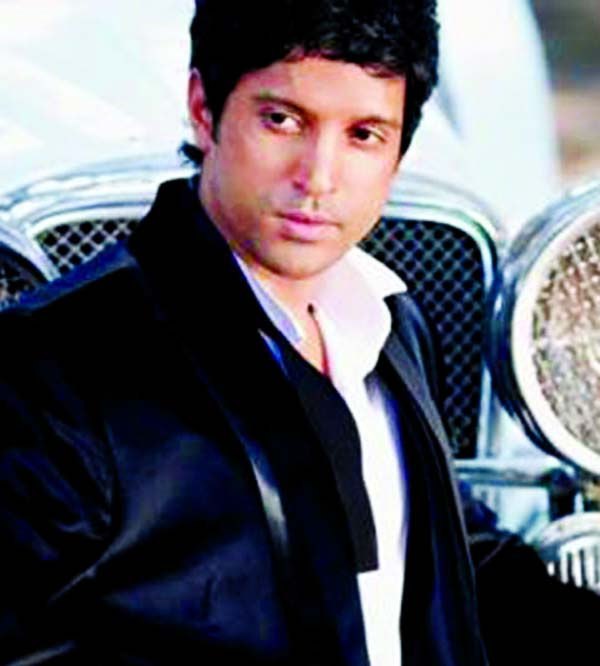Farhan gets nostalgic with Sachin: A billion dreams