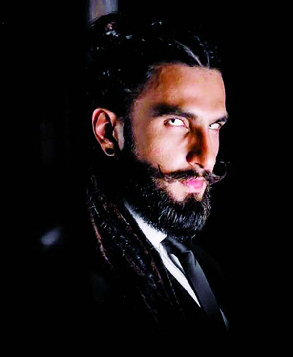 Ranveer scares off unit  members as Alauddin Khilji