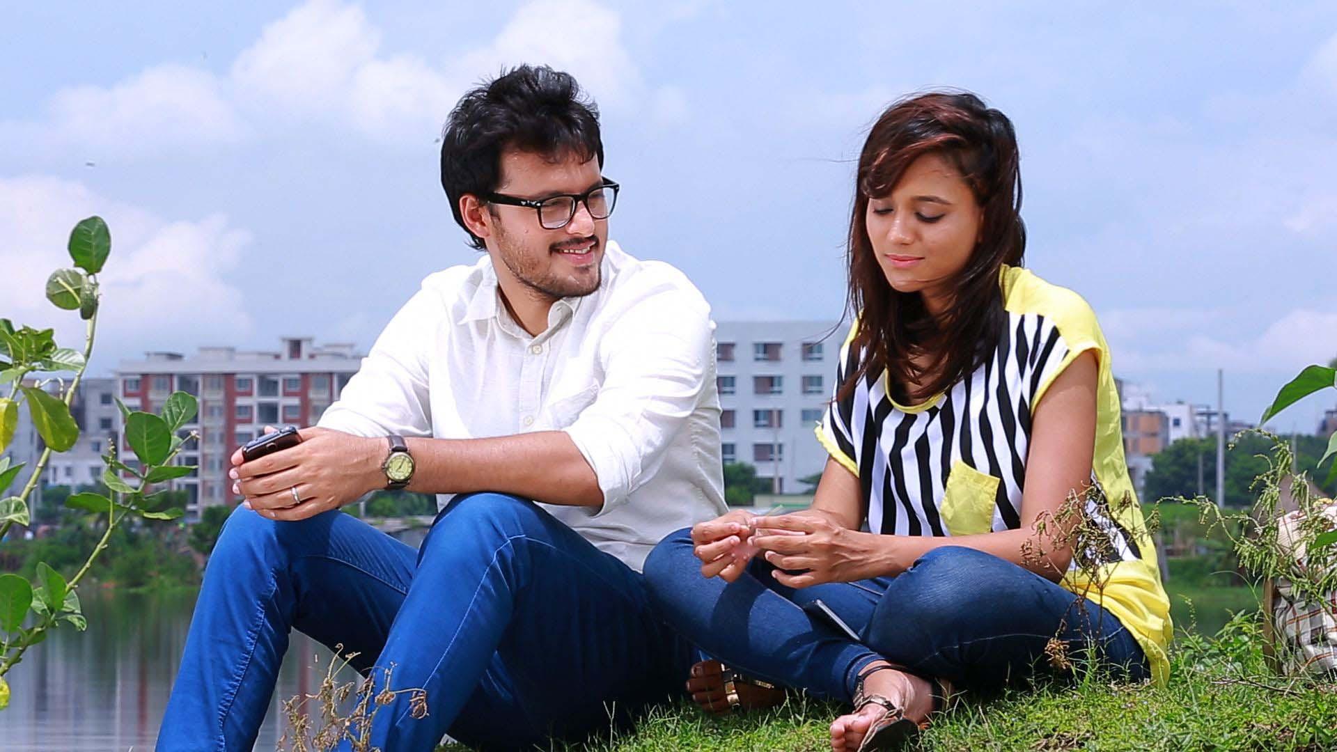Kartik Aaryan's camaraderie  with Paresh Rawal