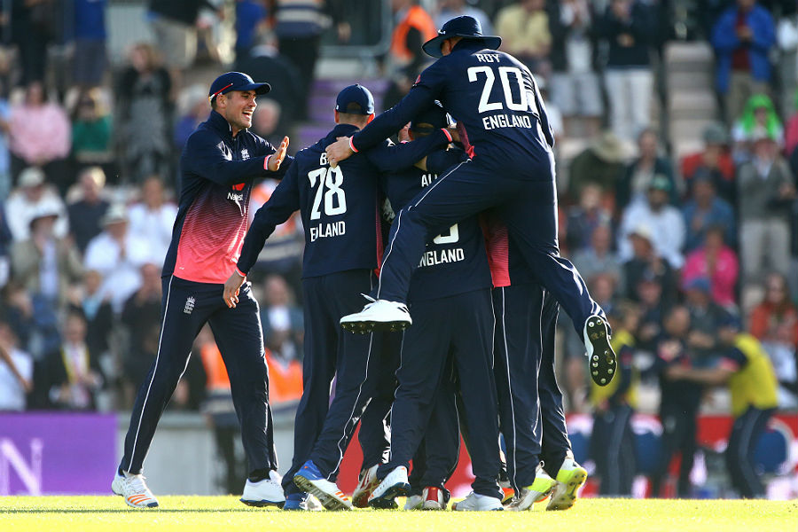 England win ODI series against South Africa with 2-run win