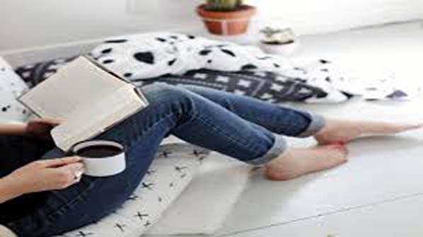 Postures to read books perfectly
