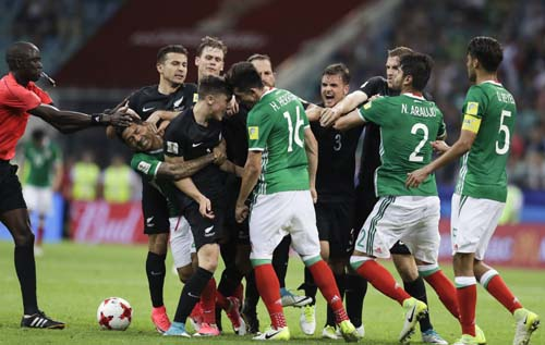Mexico recover to beat NZ 2-1 in fiery Confed Cup game