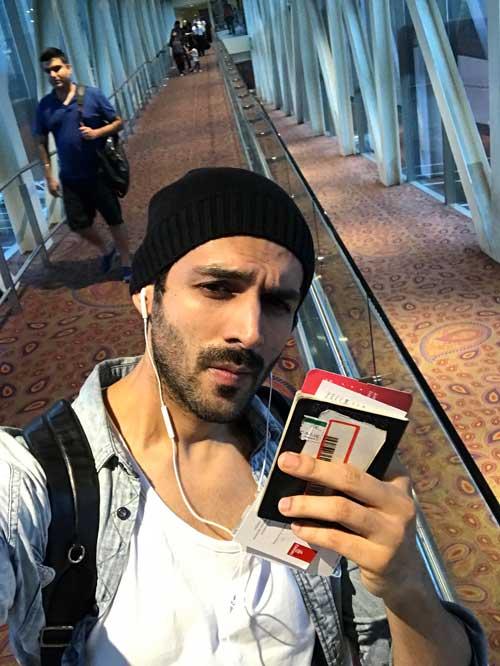 Kartik Aaryan leaves for Europe to shoot Sonu Ke Titu Ki Sweety