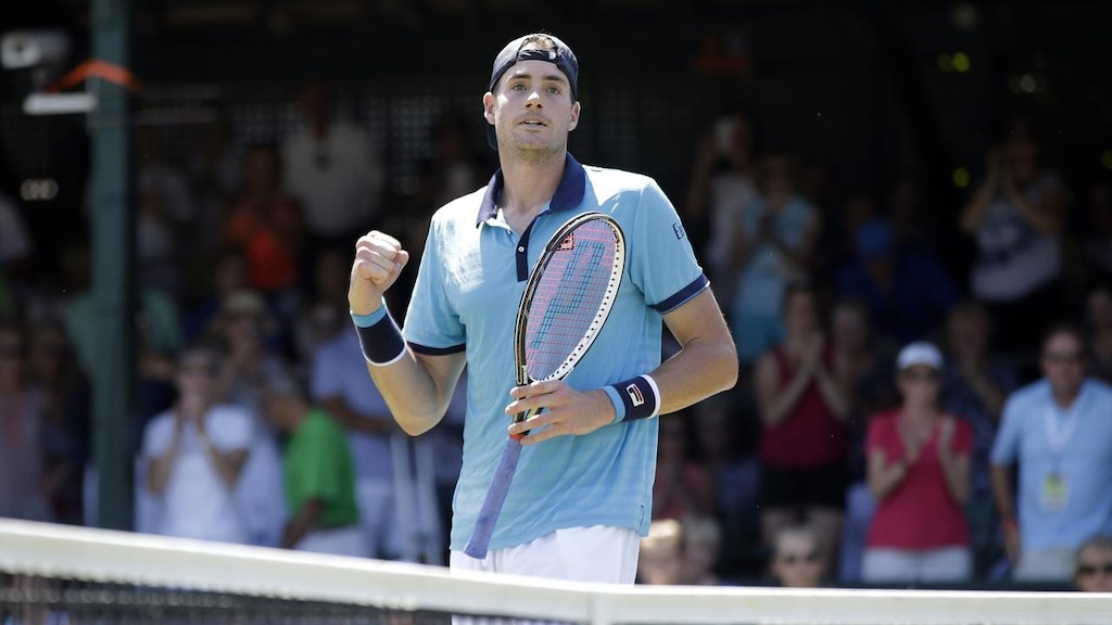 John Isner reaches Hall of Fame semifinals