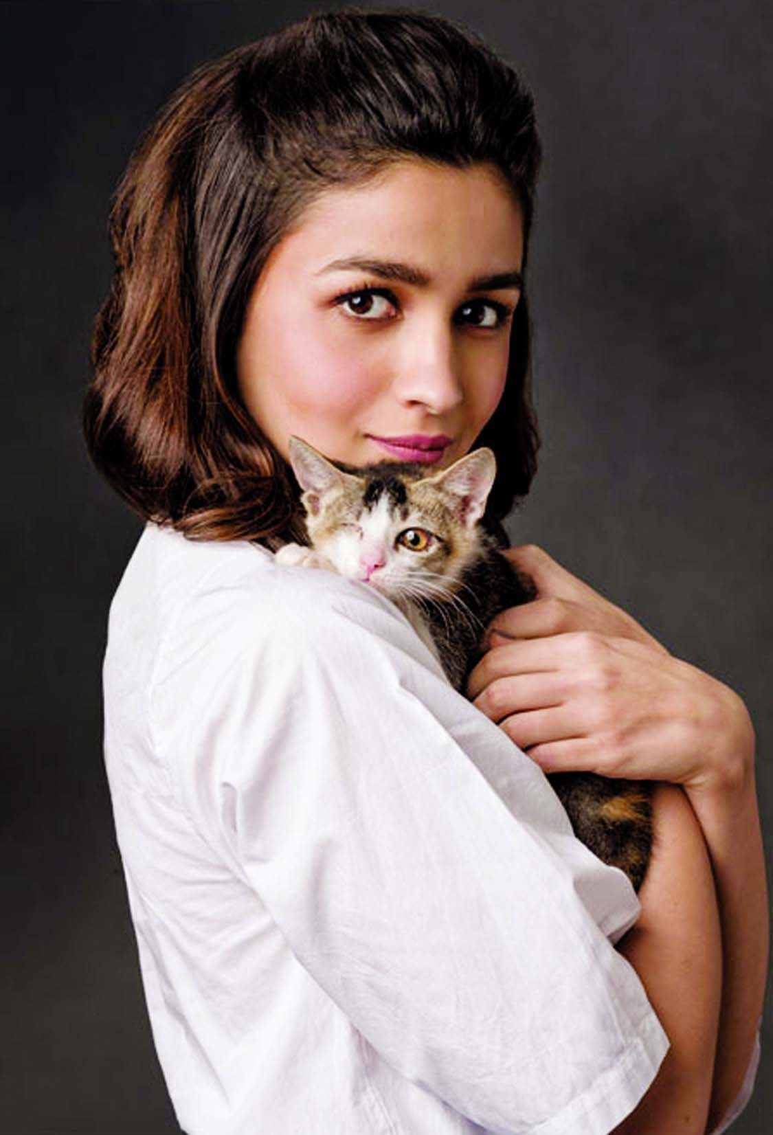 Alia Bhatt champions the welfare of street cats and dogs