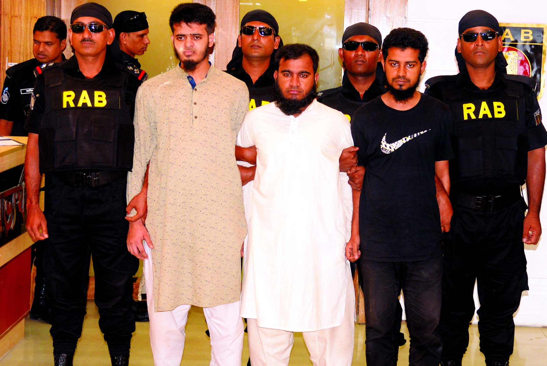 Three JMB militants (Sarwar-Tamim group) were arrested by RAB-3 from city's Aftabnagar area under Badda Thana on Wednesday.