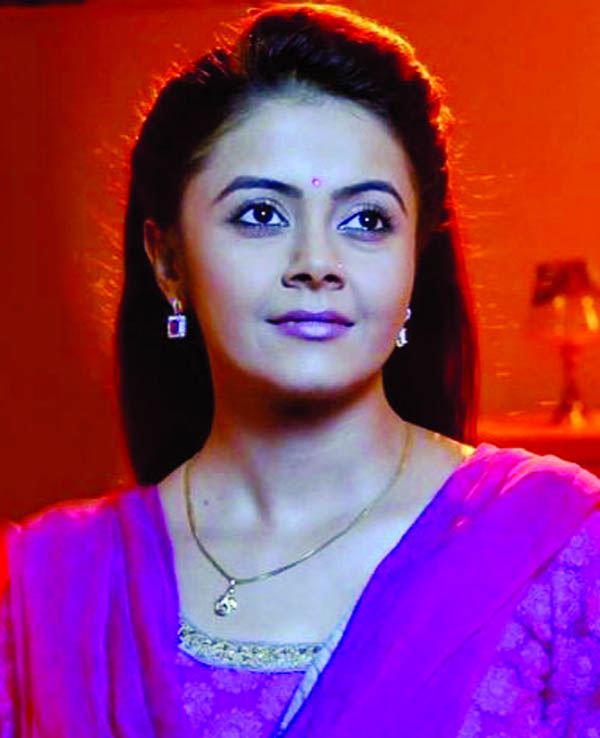 Devoleena starts singing career with Krishna bhajan