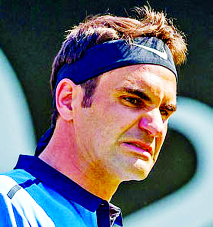 Federer out of Cincinnati with back injury