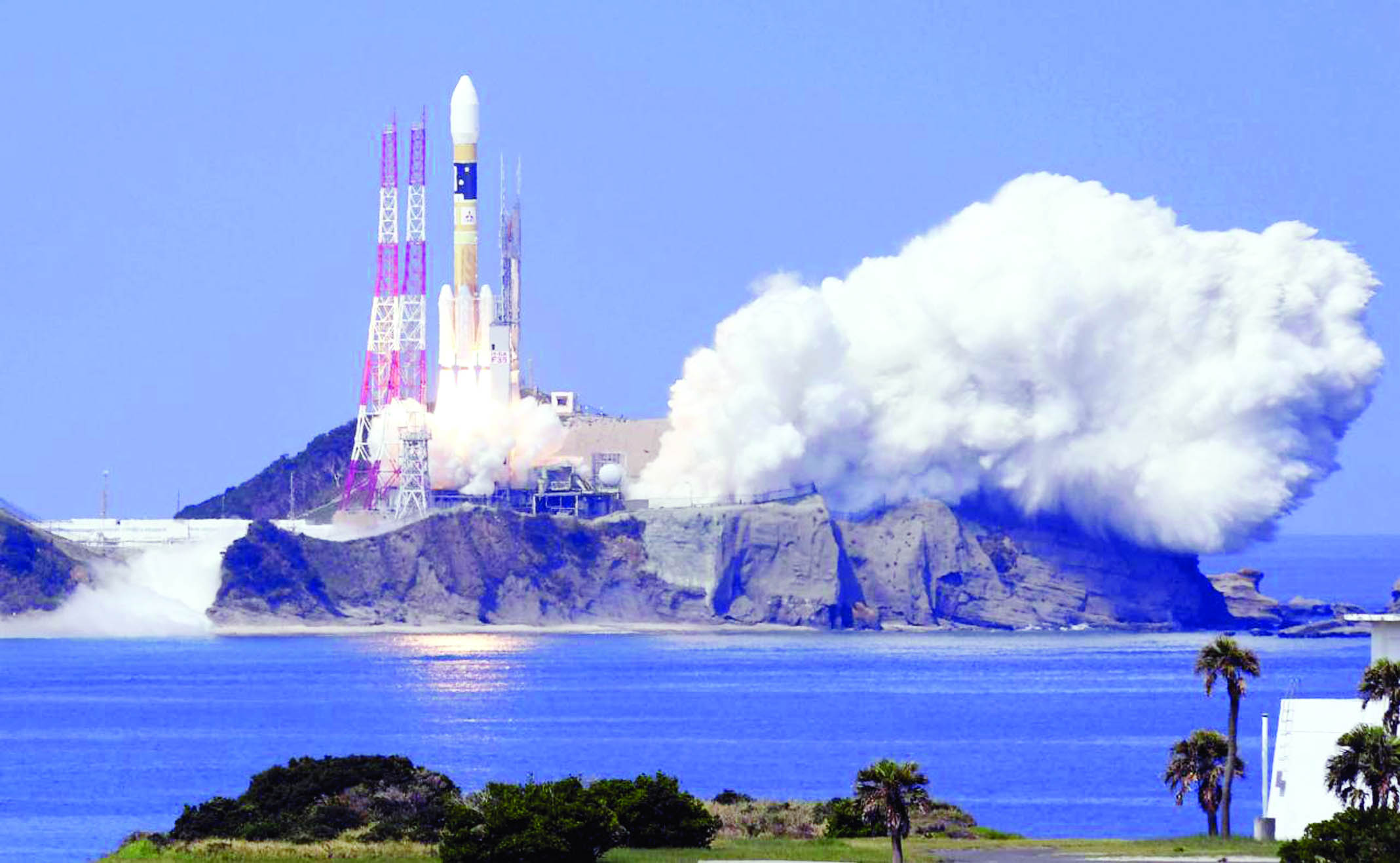 Japan launches satellite into orbit