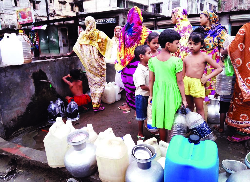 Residents of Dolaipar area  in the city facing acute water crisis as water with bad smell has been coming from the WASA line. People have to collect drinking water from the only WASA pump in the areas standing in long queue.