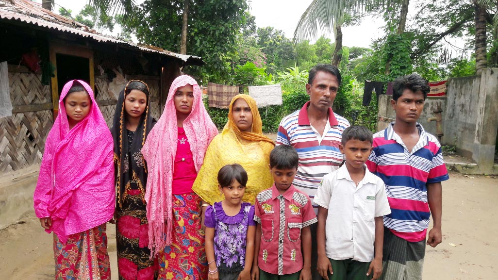 Nine Rohingyas including three children were rescued by Satkania thana police and they were  sent  to  Cox's Bazar camp after primary treatment  yesterday. So far 142  Rohingya people were rescued by the same thana police and they were sent to camps. Satkania thana police has been continuing vigilance to watch the movement of Rohingyas .