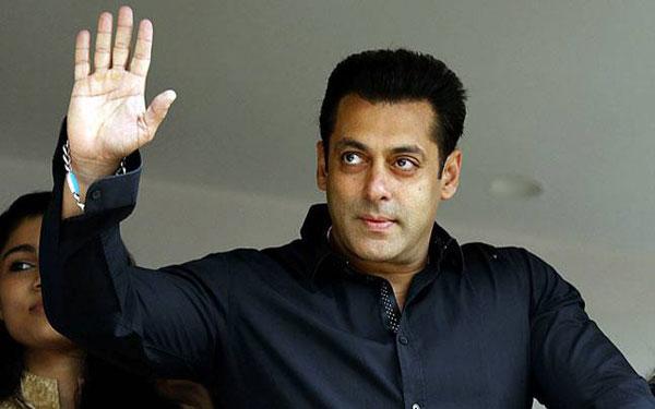Judwaa's original star Salman surprises Judwaa 2' Varun