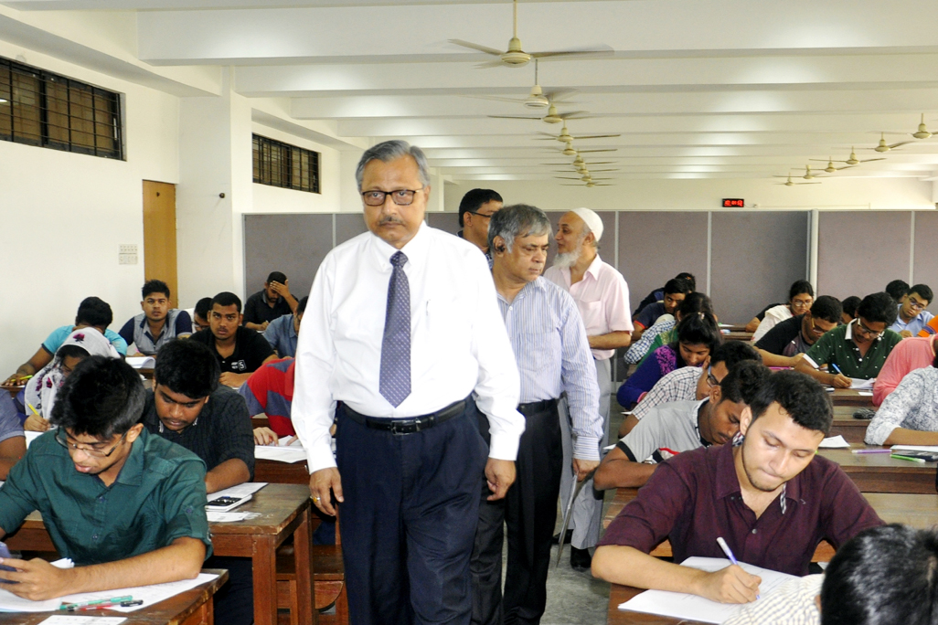 Prof Dr Saiful Islam, Vice-Chancellor of BUET is inspecting different Examination Centres of BUET Admission Test Session 2017-2018 held on Saturday (14 October, 2017) at the BUET Campus. Prof Dr Md. Maksud Helali, Chairman, Admission Committee session 2017-2018 and Dean, Faculty of Mechanical Engineering and other teachers were also present on the inspection.