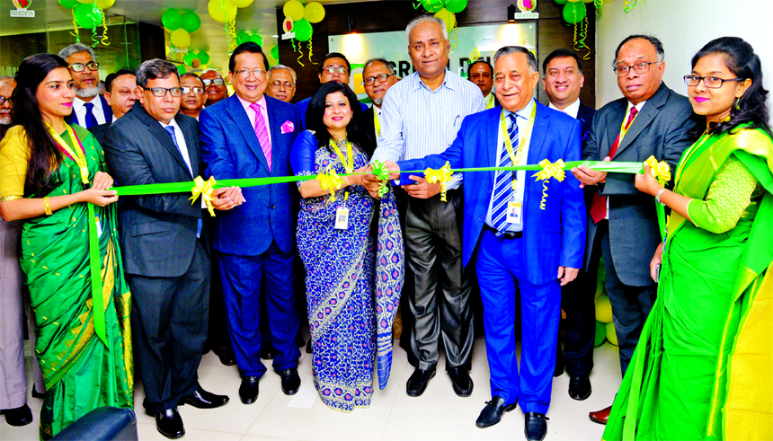 Gokul Chand Das, Member of IDRA, inaugurating the 40th Branch of Green Delta Insurance Company Limited at city's Dhanmondi area on Sunday. Nasir A Choudhury, Advisor and Founding Managing Director, Farzana Chowdhury, Managing Director and CEO and senior officials of the company were also present.